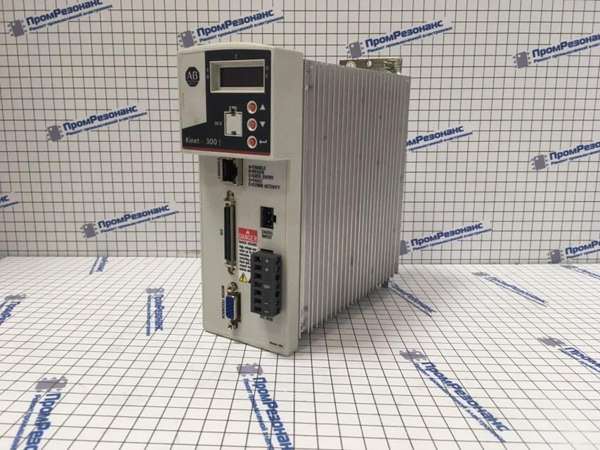 Сервопривод Allen Bradley Kinetix 300 2097-V33PR3